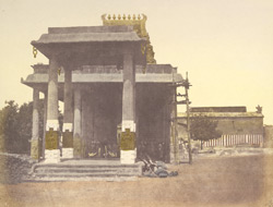 Entrance to the great [Parthasarathi] Hindoo temple, Madras